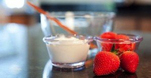 strawberry-yogurt face-mask